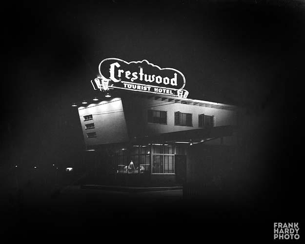 Crestwood Tourist Motel   _ RTP  _ SFW
